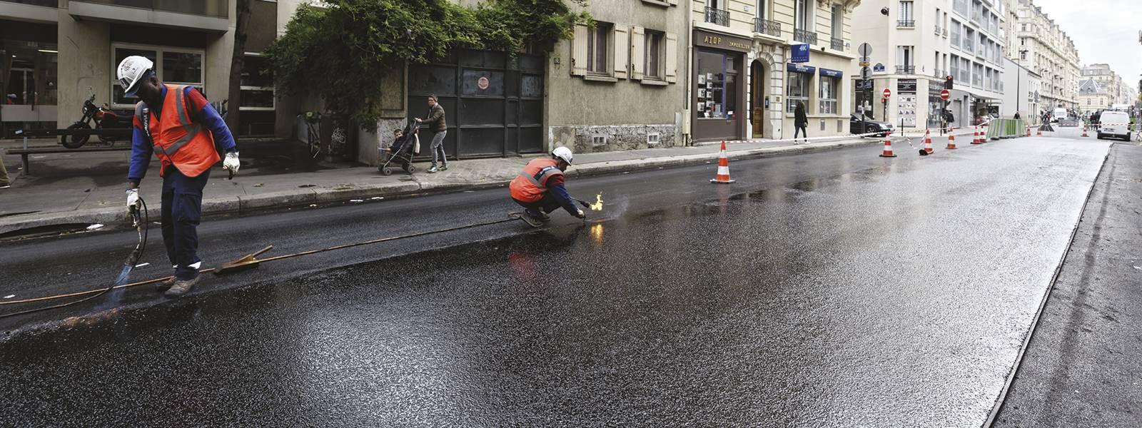 Photo rue Lecourbe revêtement PUMA par Eurovia projet Life Cool Low Noise Asphalt